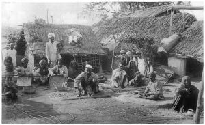Lower caste laborers. [PD-1923]
