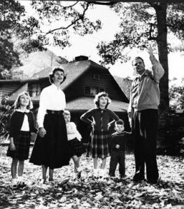 Ruth and Billy with Anne, Bunny, Gigi, and Franklin. Courtesy of the Billy Graham Evangelistic Association-http://billygraham.org/.