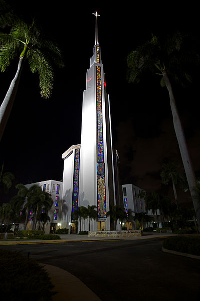 Coral Ridge Presbyterian Church, Fort Lauderdale, Florida. © by Jimmy Baikovicius.